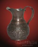 Медна релефна кана с традиционни български мотиви