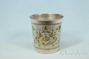 Посребрена и позлатена чаша с орнаменти 3