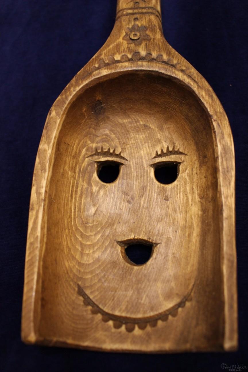 Дърворезба ''Лъжица момиче''