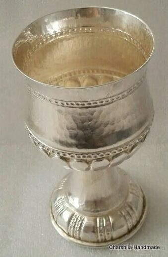 Посребрена чаша с орнаменти