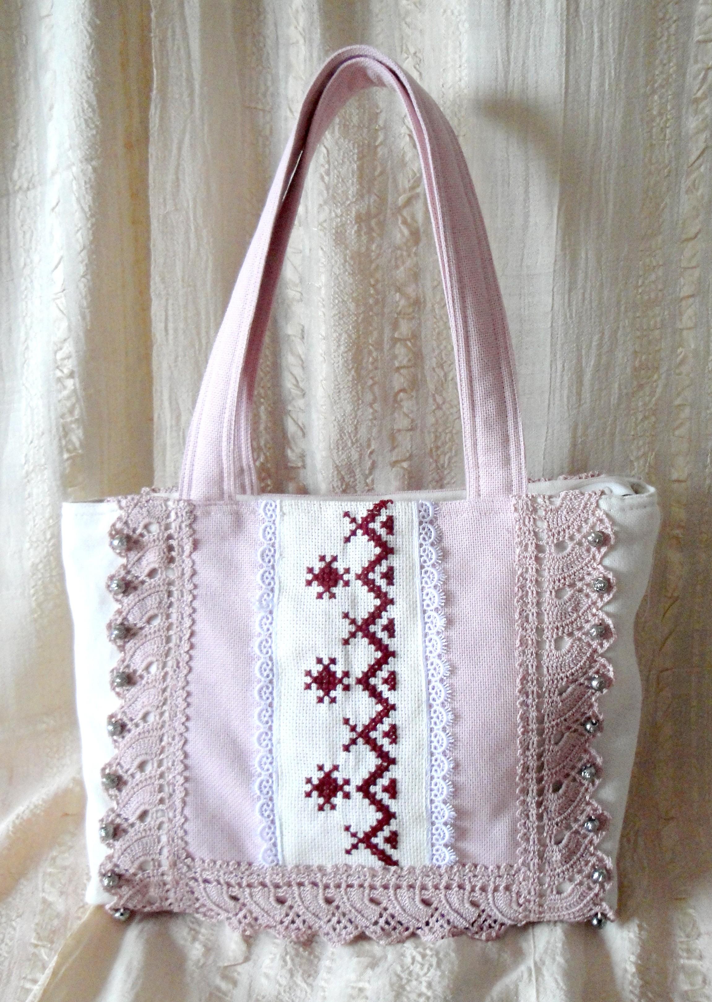 Чанта розова с ръчна бродерия