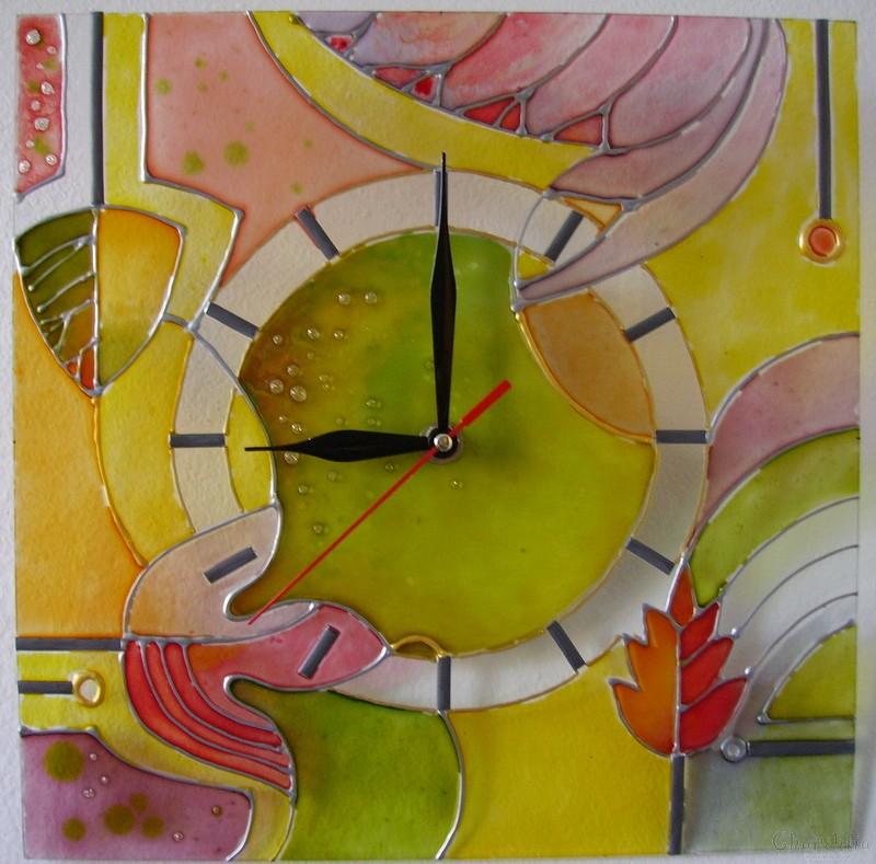 Рисуван стенен часовник