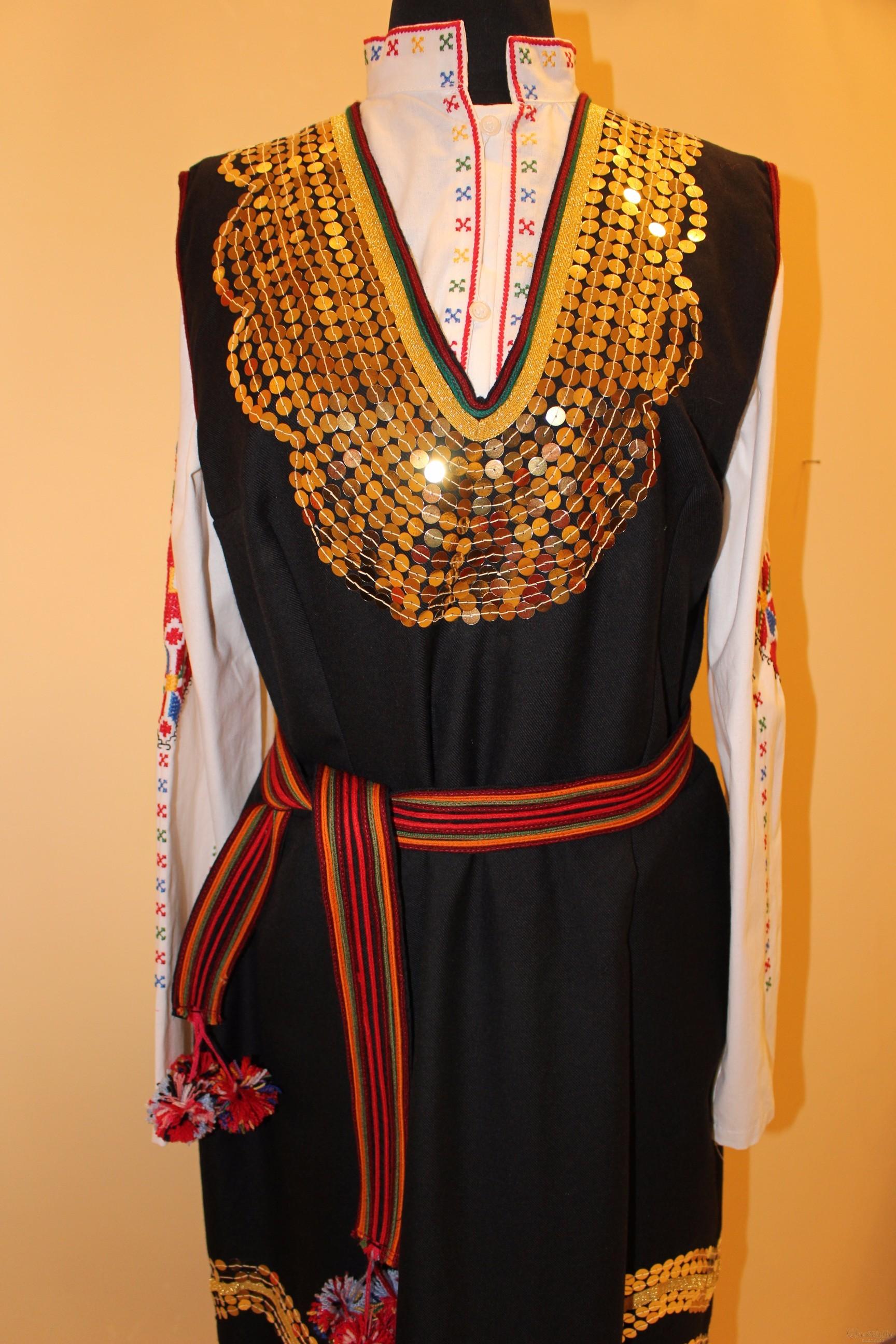 Българска народна носия - Шопски женски народен костюм