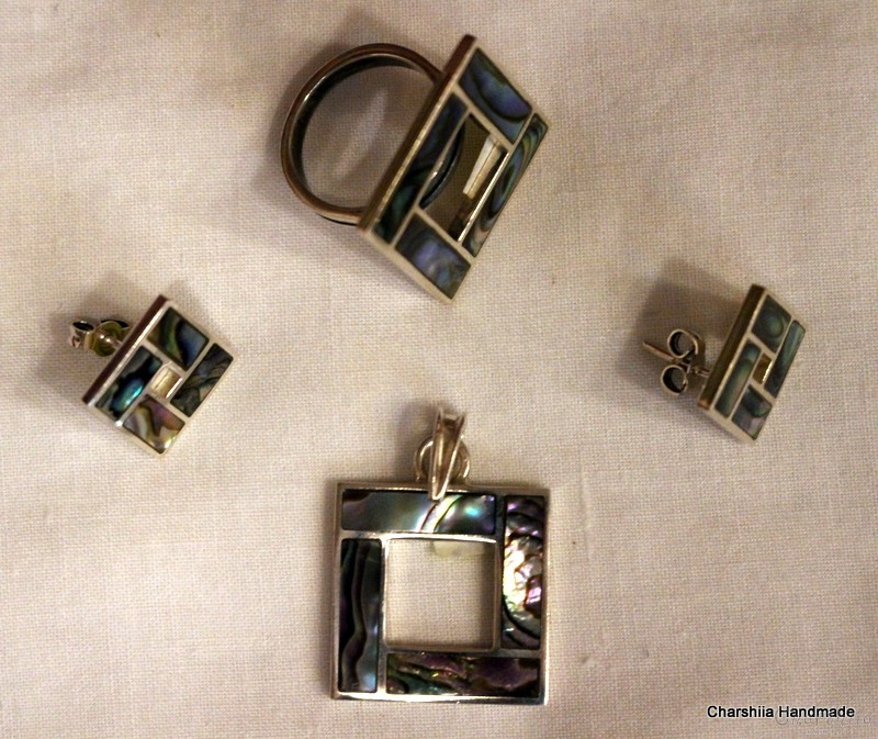 Сребърен комплект от две части със Цветен Седеф – майката на перлата