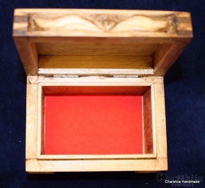"""Кутия за бижута, дърворезба """"България"""""""
