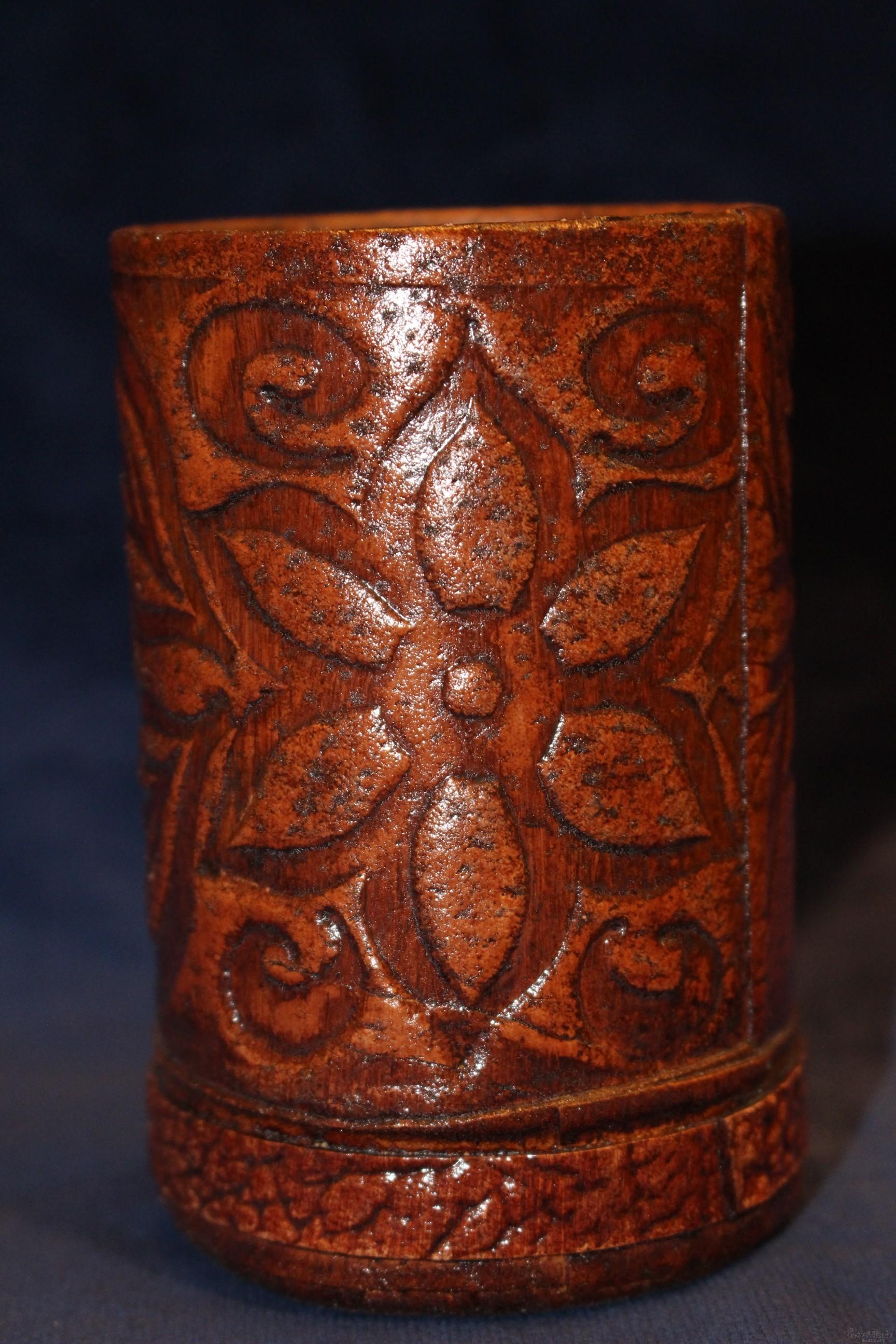 Моливник за бюро, ръчно изработен от естествена кожа