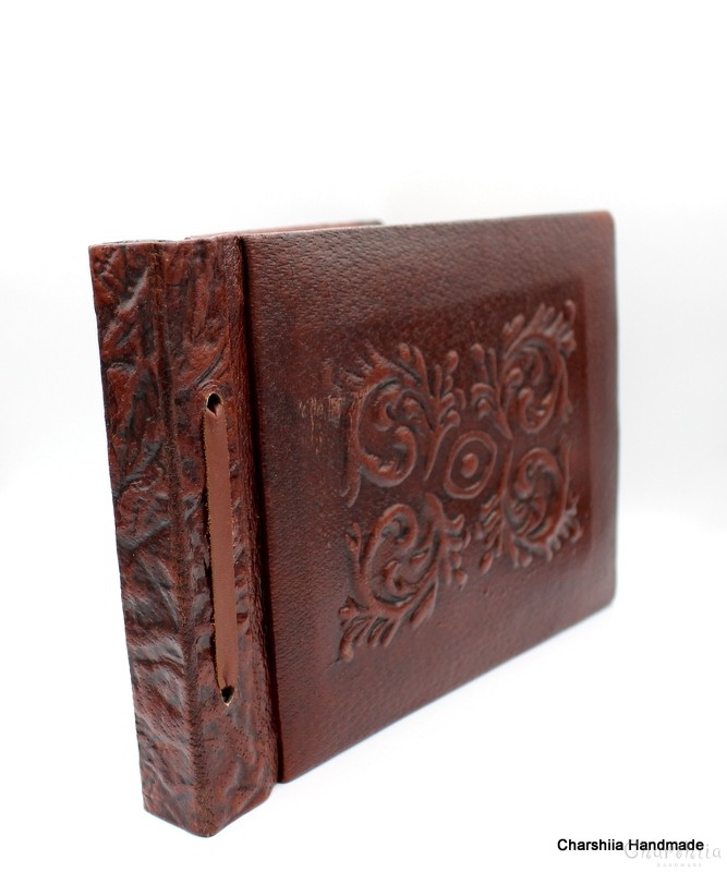 Класически албум за снимки, ръчно изработен от естествена кожа
