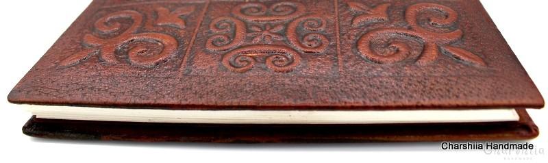Албум за снимки, ръчно изработен от естествена кожа