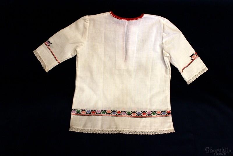 Детска дълга риза с българска шевица