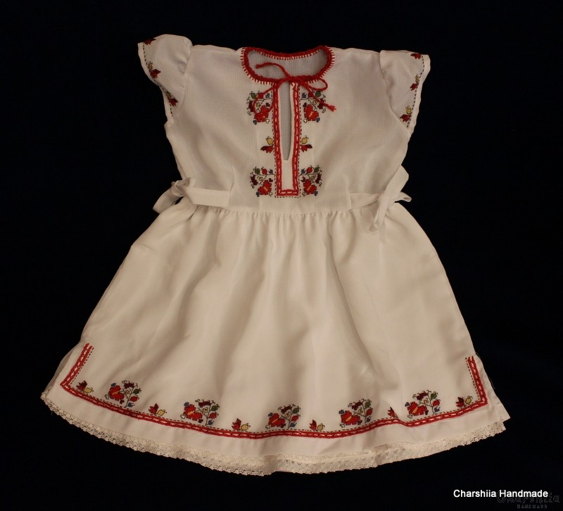 Детска рокличка с българска шевица