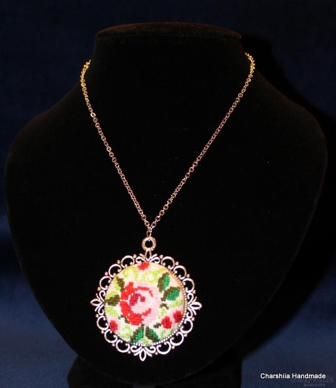 Медальон ''Розова градина'' 3