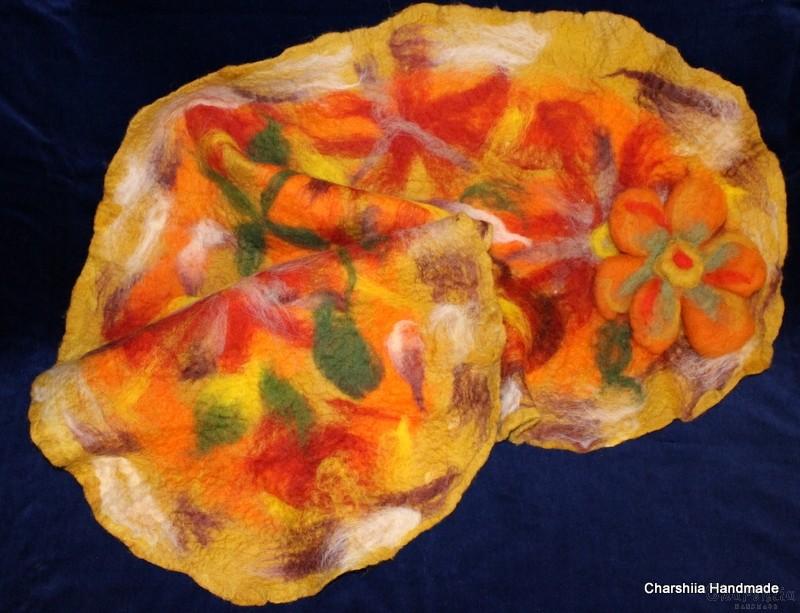 Шал от филц ''Оранжево цвете''