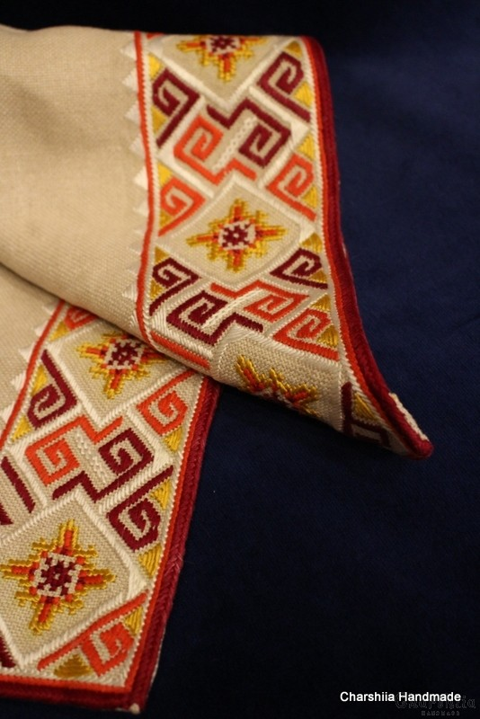 Каре с българска шевица