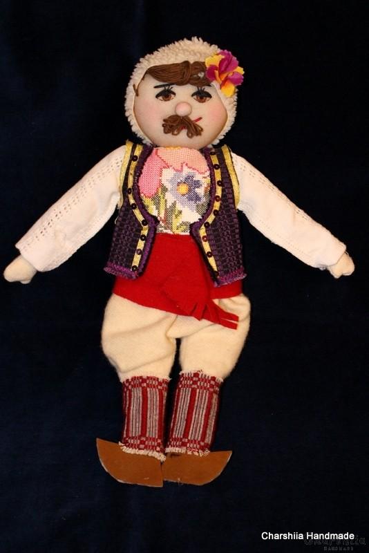 Традиционна българска, голяма парцалена кукла