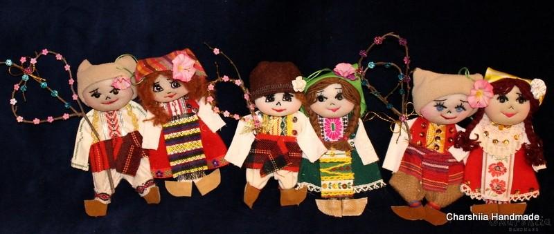 Традиционна българска, малка парцалена двойка кукли - Сурвакари