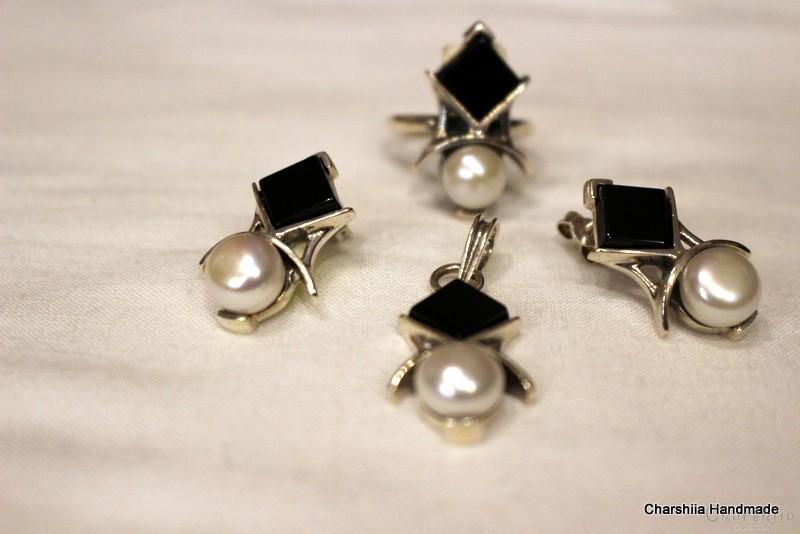 Сребърен комплект три части с Оникс и Перла
