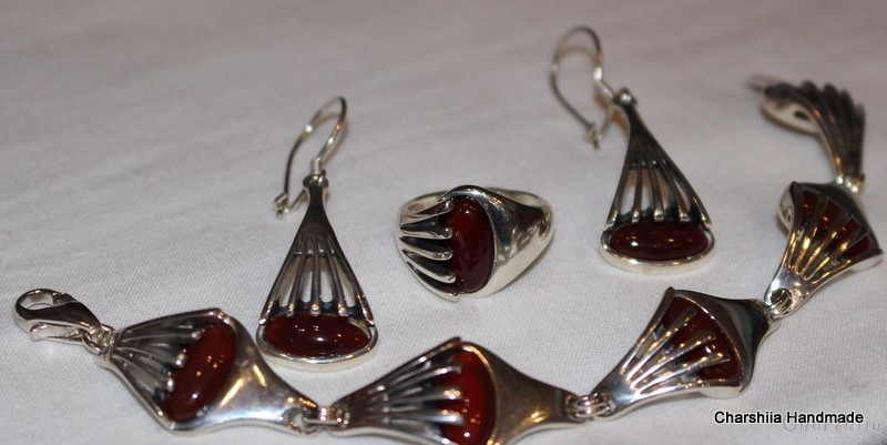 Сребърен комплект от три части с Kарнеол