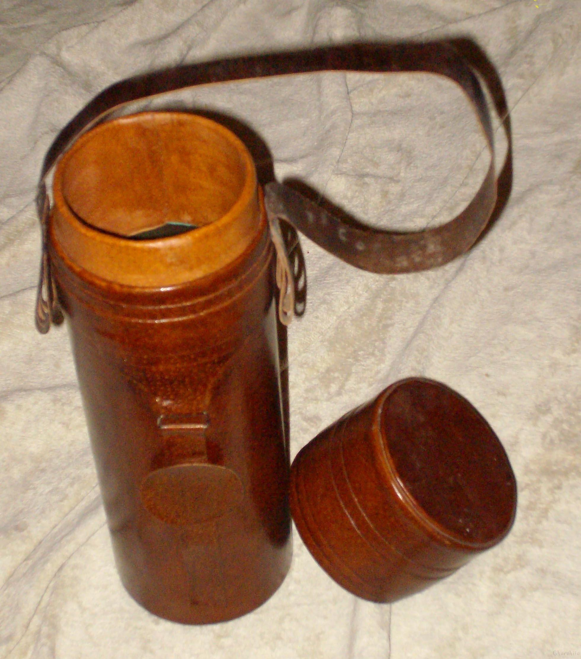 Тубус с дръжка /кутия за вино/