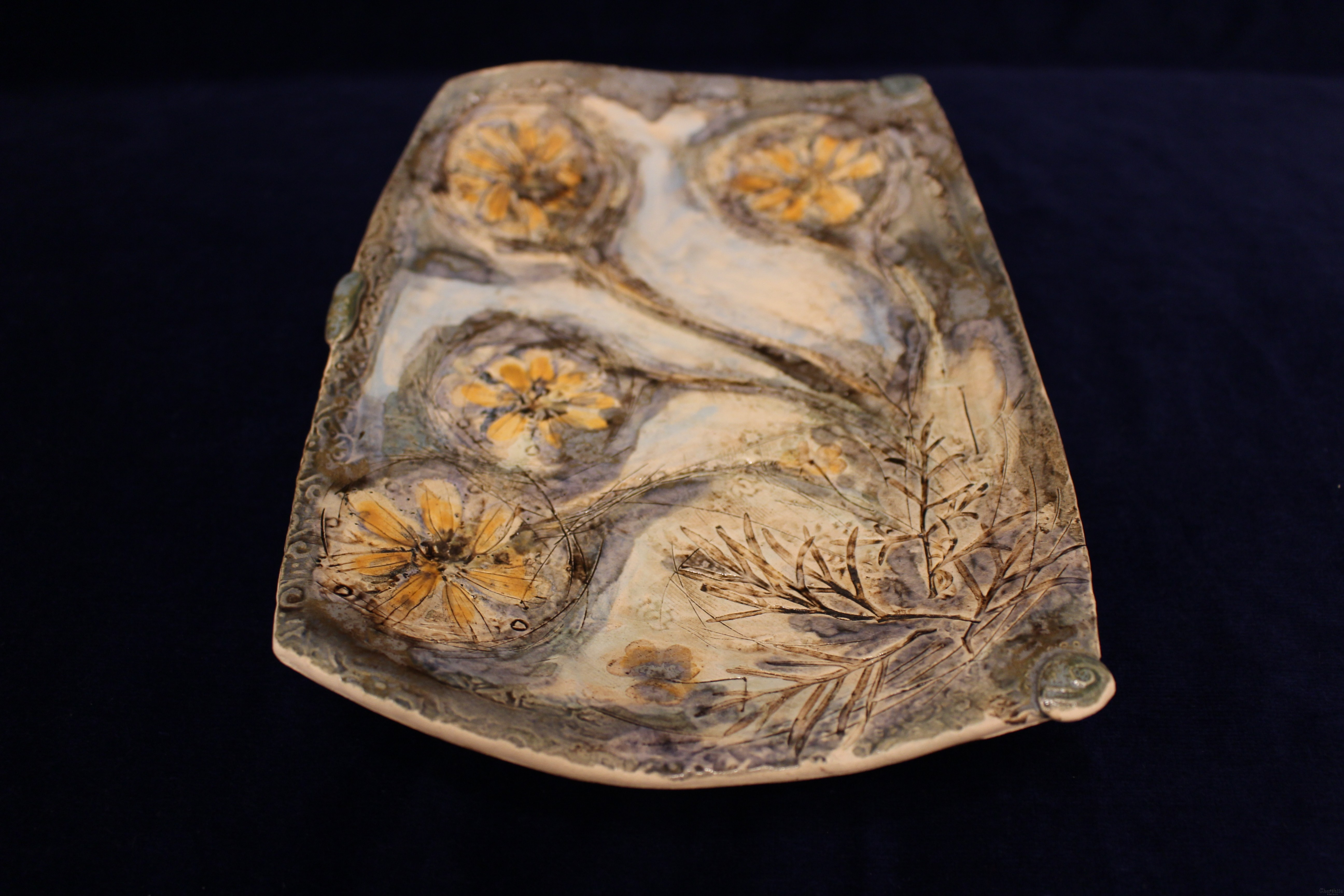 Decorative wall plate (tray)