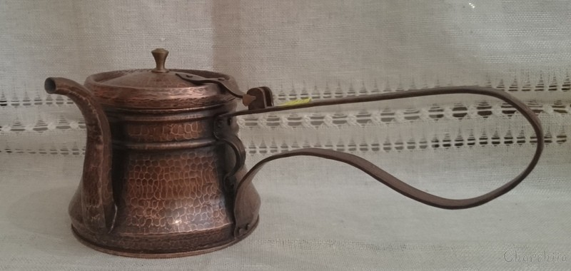 Copper pot with cover
