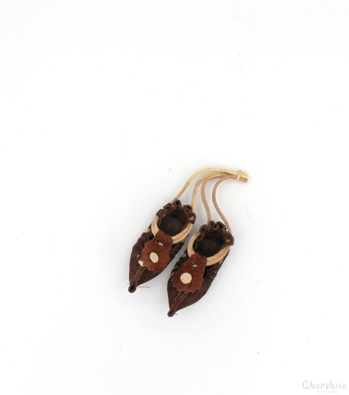 Souvenir laether footware (tsаrvuli, opintsi)