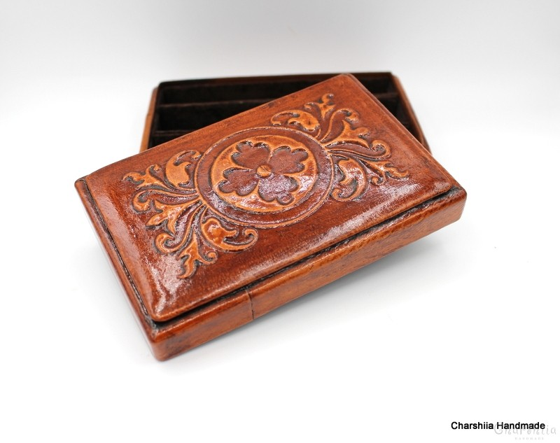 Cigar box, genuine leather