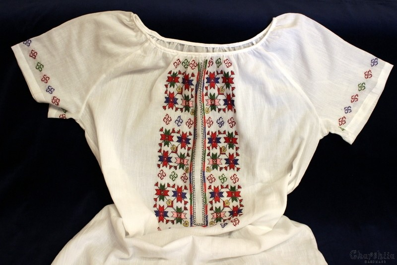 Ladies tunic with Bulgarian embroidery