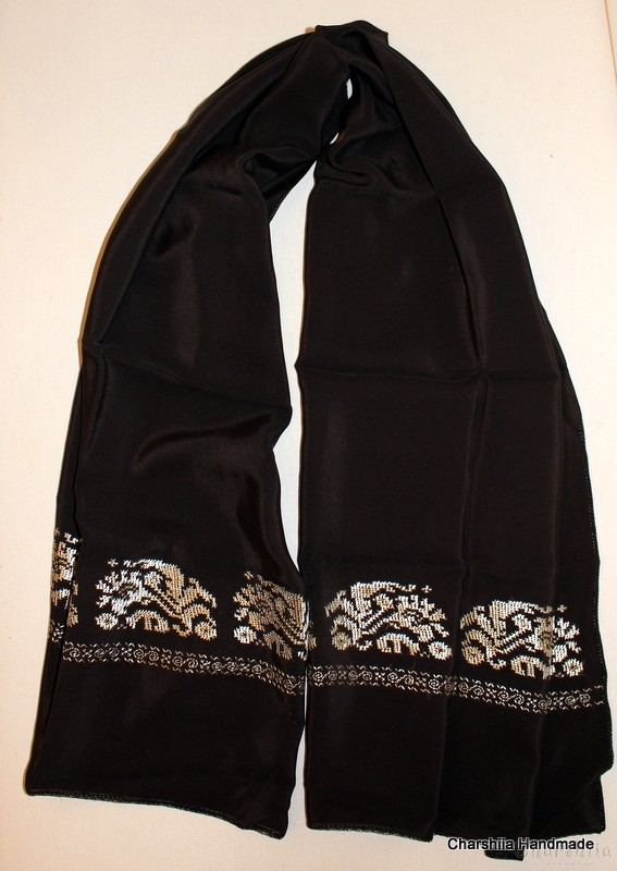 Scarf with Bulgarian embroidery
