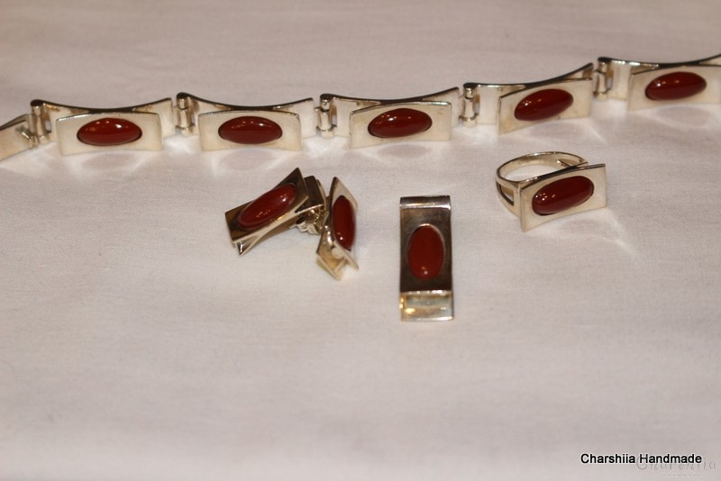 Silver set of four parts with Carnelian